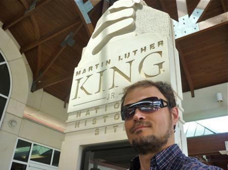 Devant le mémorial Martin Luther King