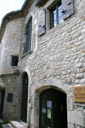 Musée du protestantisme Poet Laval (AVRIL 2009)