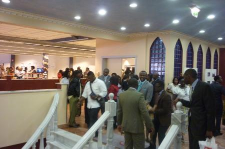 Sortie de culte et fraternisation