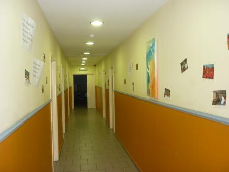 Couloir menant aux salles annexes