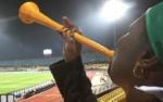 Femme vuvuzela.jpg