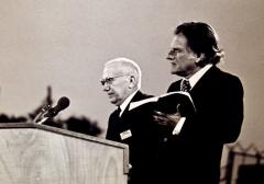 Avec-le-pasteur-Jacques-Blocher-1963-1024x717.jpg