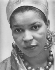 520px-Ntozake_Shange,_Reid_Lecture,_Women_Issues_Luncheon,_Women's_Center,_November_1978.jpg